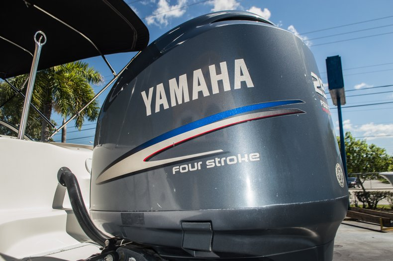 Thumbnail 56 for Used 2006 Hurricane SunDeck SD 237 OB boat for sale in West Palm Beach, FL