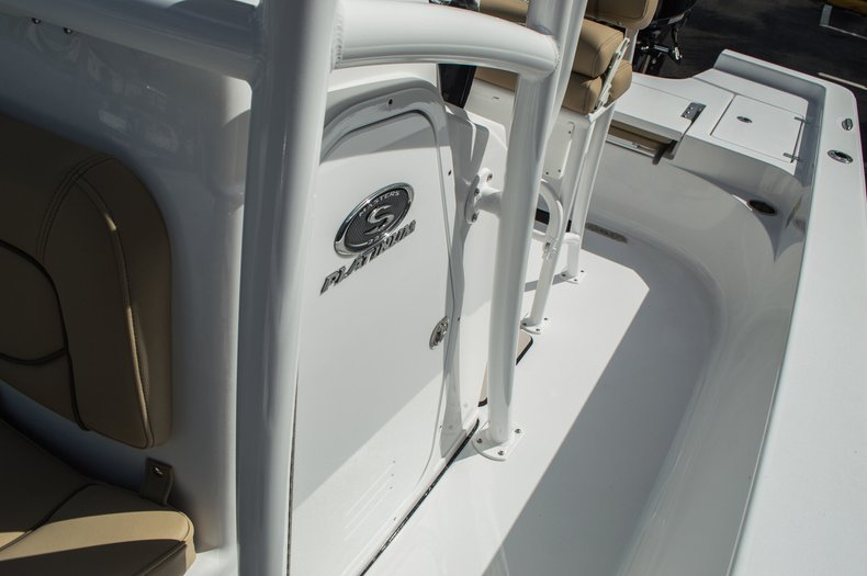Thumbnail 25 for New 2016 Sportsman Masters 227 Bay Boat boat for sale in West Palm Beach, FL