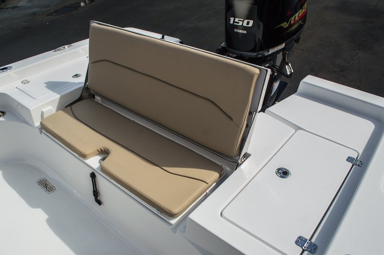 Thumbnail 41 for New 2016 Sportsman Masters 227 Bay Boat boat for sale in West Palm Beach, FL