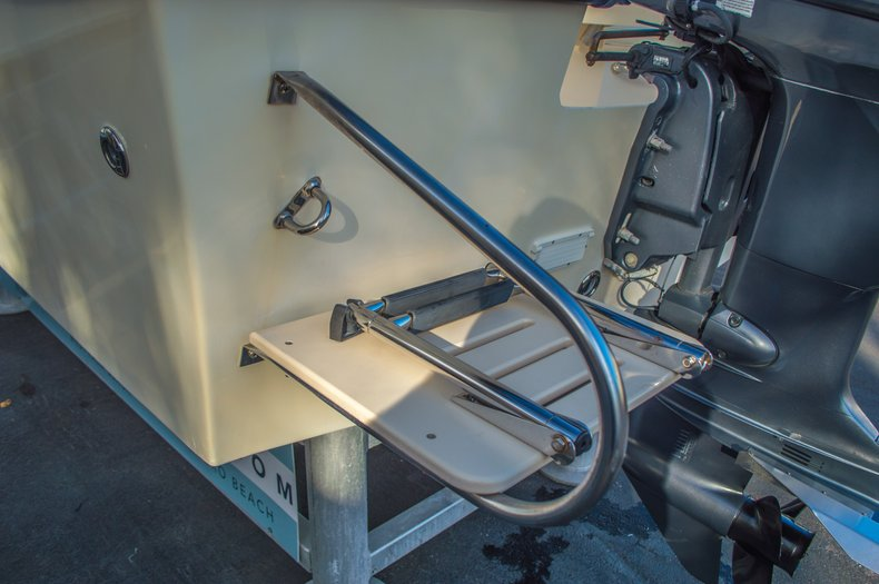Thumbnail 9 for Used 2008 PARKER 1801 Center Console boat for sale in West Palm Beach, FL