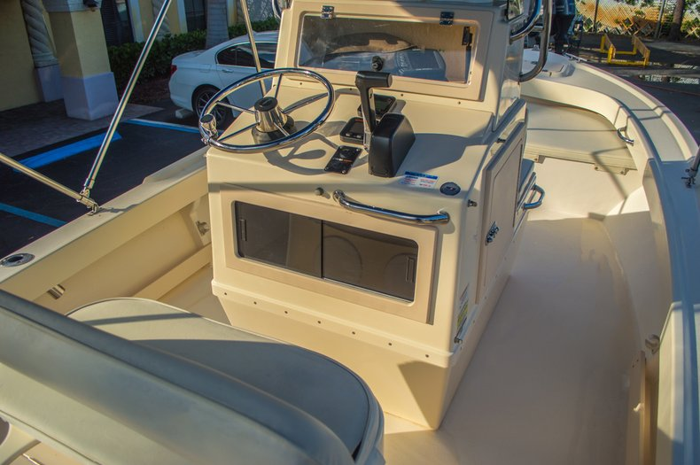 Used 2008 PARKER 1801 Center Console boat for sale in West