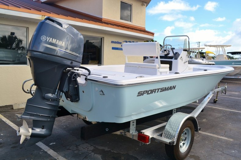 Thumbnail 6 for New 2016 Sportsman 18 Island Bay boat for sale in West Palm Beach, FL