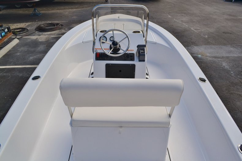 Thumbnail 9 for New 2016 Sportsman 18 Island Bay boat for sale in West Palm Beach, FL