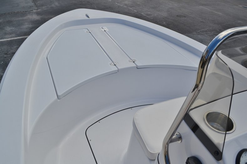 Thumbnail 11 for New 2016 Sportsman 18 Island Bay boat for sale in West Palm Beach, FL