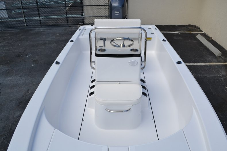 Thumbnail 12 for New 2016 Sportsman 18 Island Bay boat for sale in West Palm Beach, FL