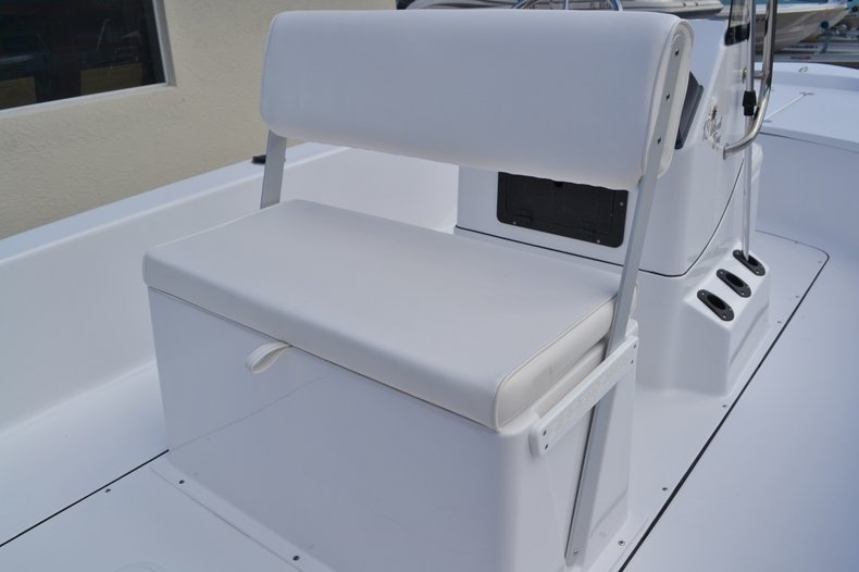 Thumbnail 15 for New 2016 Sportsman 18 Island Bay boat for sale in West Palm Beach, FL