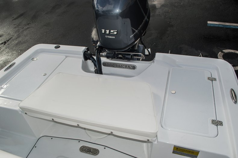 Thumbnail 27 for New 2016 Sportsman 20 Island Bay boat for sale in West Palm Beach, FL