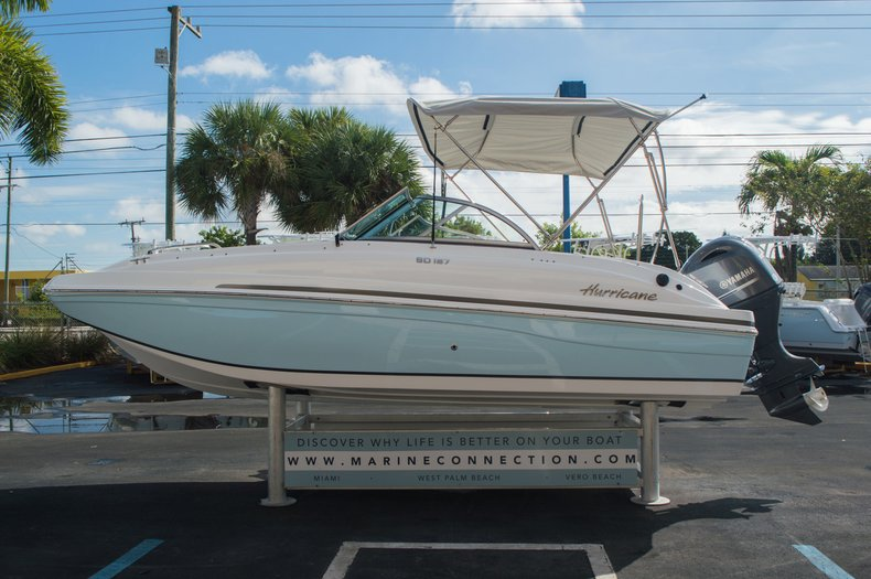 Thumbnail 4 for New 2016 Hurricane SunDeck SD 187 OB boat for sale in West Palm Beach, FL