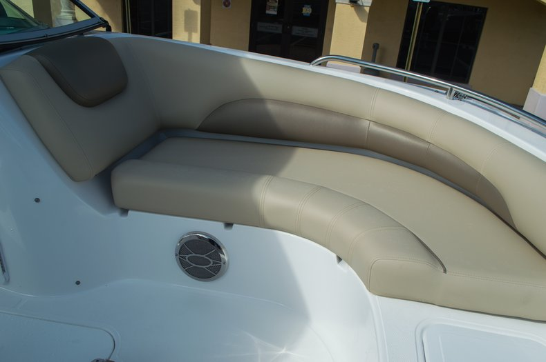 Thumbnail 12 for New 2016 Hurricane SunDeck SD 187 OB boat for sale in West Palm Beach, FL