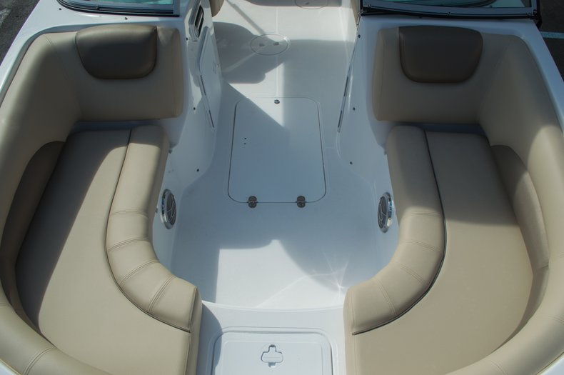 Thumbnail 19 for New 2016 Hurricane SunDeck SD 187 OB boat for sale in West Palm Beach, FL