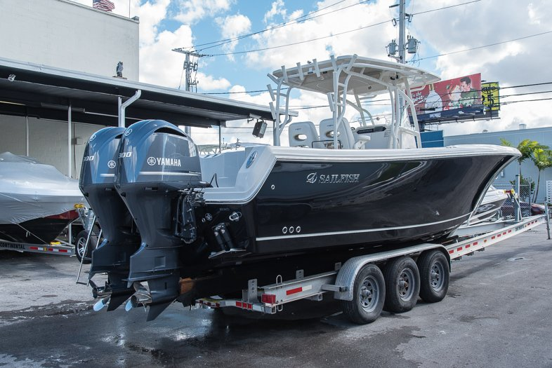 Thumbnail 3 for New 2016 Sailfish 320 CC Center Console boat for sale in West Palm Beach, FL