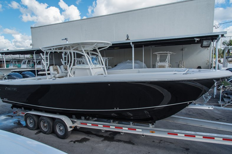 Thumbnail 5 for New 2016 Sailfish 320 CC Center Console boat for sale in West Palm Beach, FL
