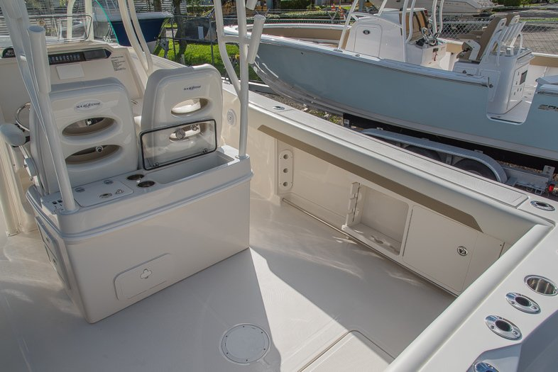 Thumbnail 24 for New 2016 Sailfish 320 CC Center Console boat for sale in West Palm Beach, FL