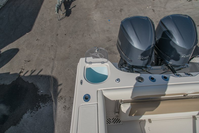 Thumbnail 27 for New 2016 Sailfish 320 CC Center Console boat for sale in West Palm Beach, FL