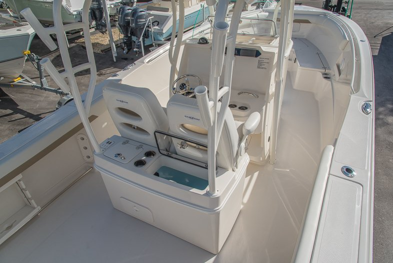 Thumbnail 29 for New 2016 Sailfish 320 CC Center Console boat for sale in West Palm Beach, FL