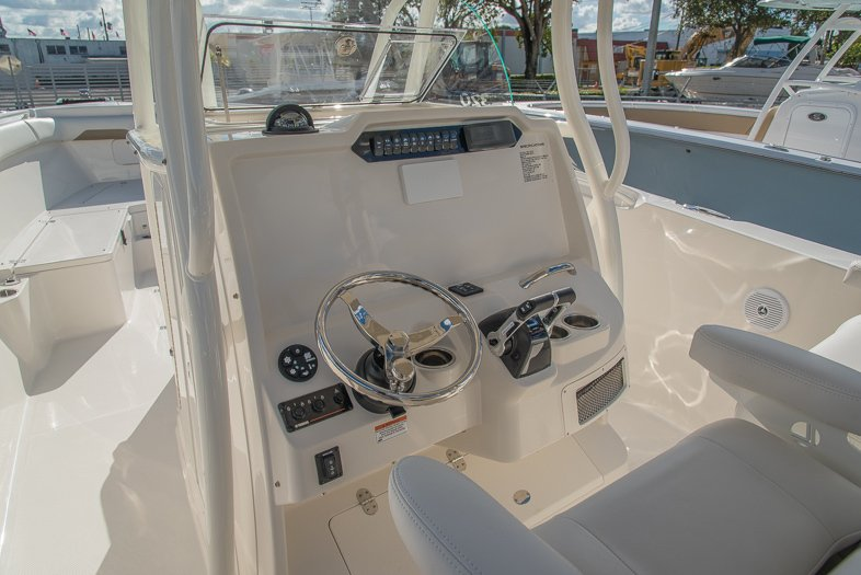 Thumbnail 32 for New 2016 Sailfish 320 CC Center Console boat for sale in West Palm Beach, FL