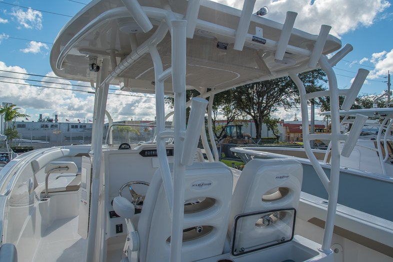 Thumbnail 35 for New 2016 Sailfish 320 CC Center Console boat for sale in West Palm Beach, FL