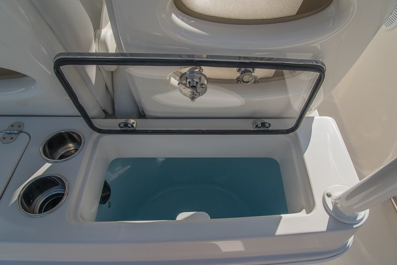 Thumbnail 37 for New 2016 Sailfish 320 CC Center Console boat for sale in West Palm Beach, FL