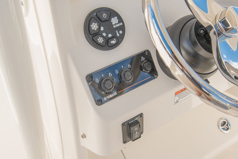 Thumbnail 42 for New 2016 Sailfish 320 CC Center Console boat for sale in West Palm Beach, FL