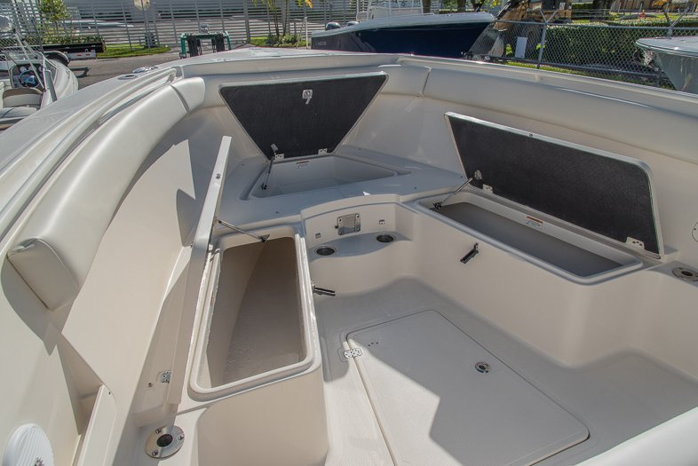 Thumbnail 48 for New 2016 Sailfish 320 CC Center Console boat for sale in West Palm Beach, FL