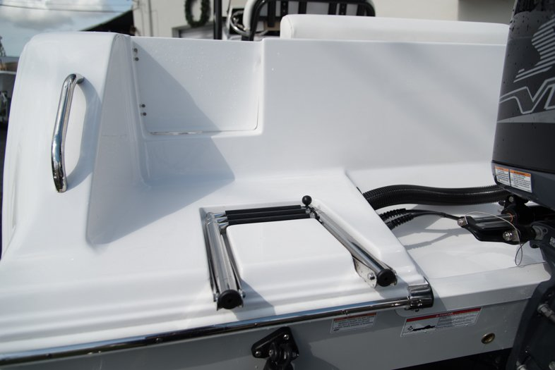 Thumbnail 14 for New 2016 Sportsman Open 232 XTREME Center Console boat for sale in West Palm Beach, FL