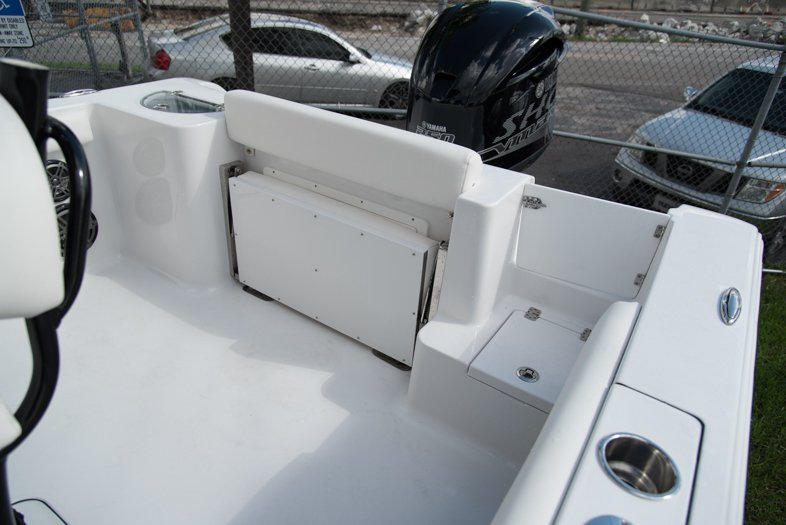Thumbnail 21 for New 2016 Sportsman Open 232 XTREME Center Console boat for sale in West Palm Beach, FL