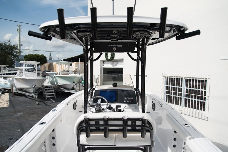 New 2016 Sportsman Open 232 Xtreme Center Console Boat For