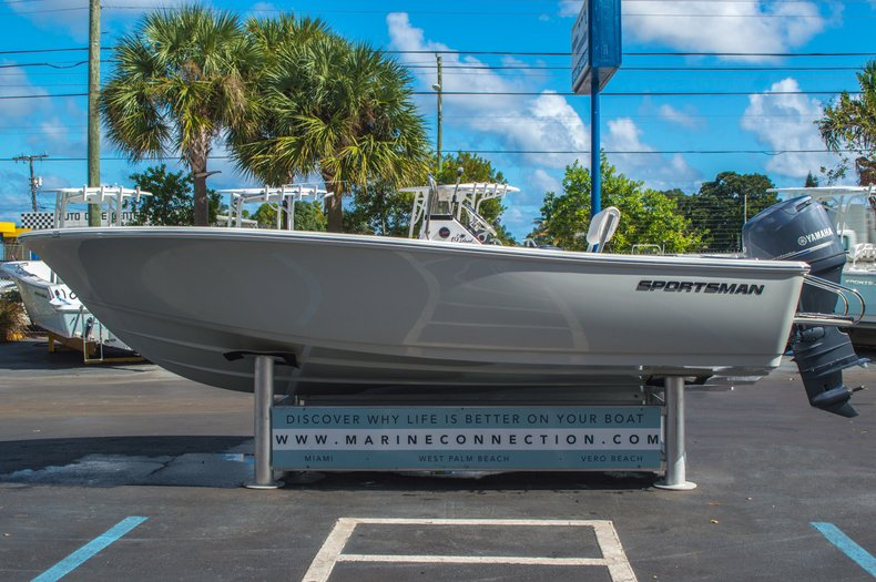Thumbnail 5 for New 2016 Sportsman 19 Island Reef boat for sale in West Palm Beach, FL