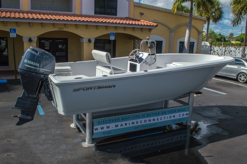 Thumbnail 9 for New 2016 Sportsman 19 Island Reef boat for sale in West Palm Beach, FL