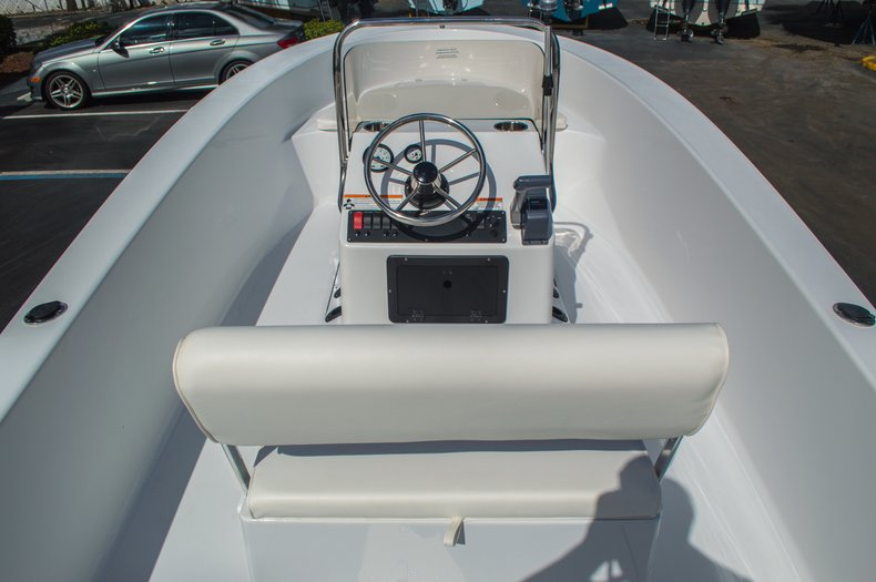 Thumbnail 17 for New 2016 Sportsman 19 Island Reef boat for sale in West Palm Beach, FL
