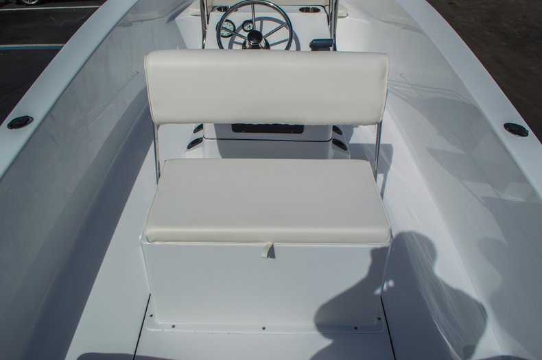 Thumbnail 31 for New 2016 Sportsman 19 Island Reef boat for sale in West Palm Beach, FL