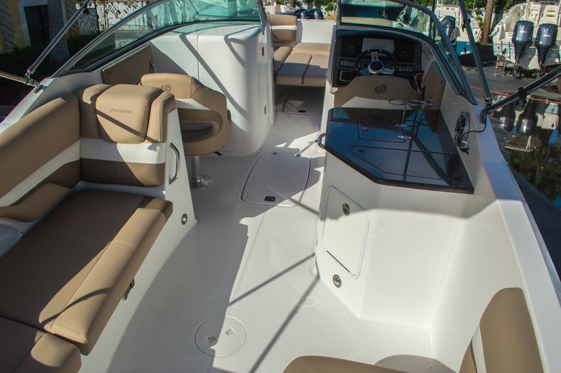 Thumbnail 23 for New 2016 Hurricane SunDeck SD 2690 OB boat for sale in West Palm Beach, FL