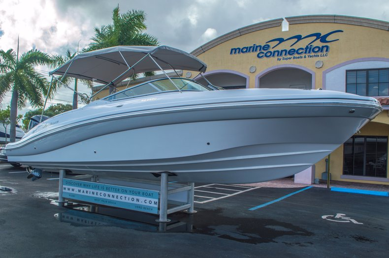 Thumbnail 1 for New 2016 Hurricane SunDeck SD 2690 OB boat for sale in West Palm Beach, FL