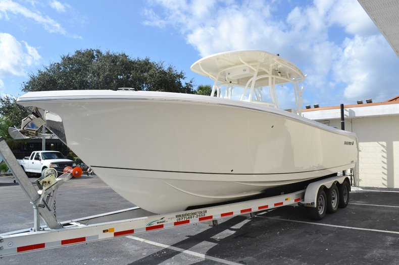 Thumbnail 3 for New 2016 Sailfish 290 CC Center Console boat for sale in West Palm Beach, FL