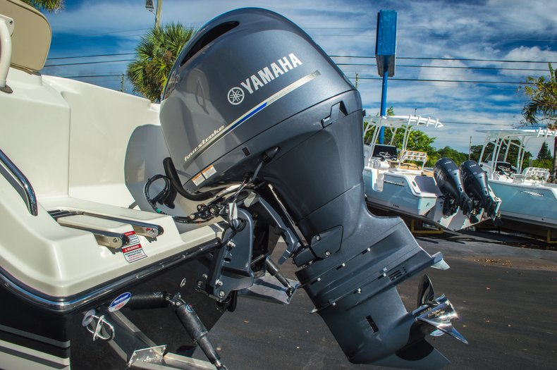 Thumbnail 12 for New 2016 Cobia 217 Center Console boat for sale in West Palm Beach, FL