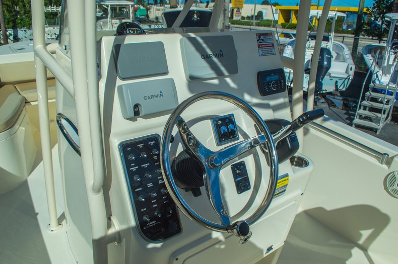 Thumbnail 27 for New 2016 Cobia 217 Center Console boat for sale in West Palm Beach, FL