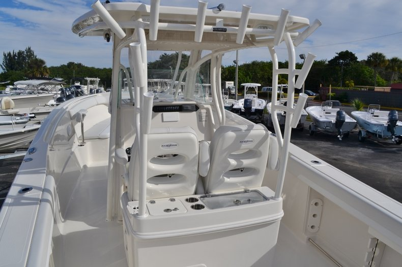 Thumbnail 12 for New 2016 Sailfish 320 CC Center Console boat for sale in West Palm Beach, FL