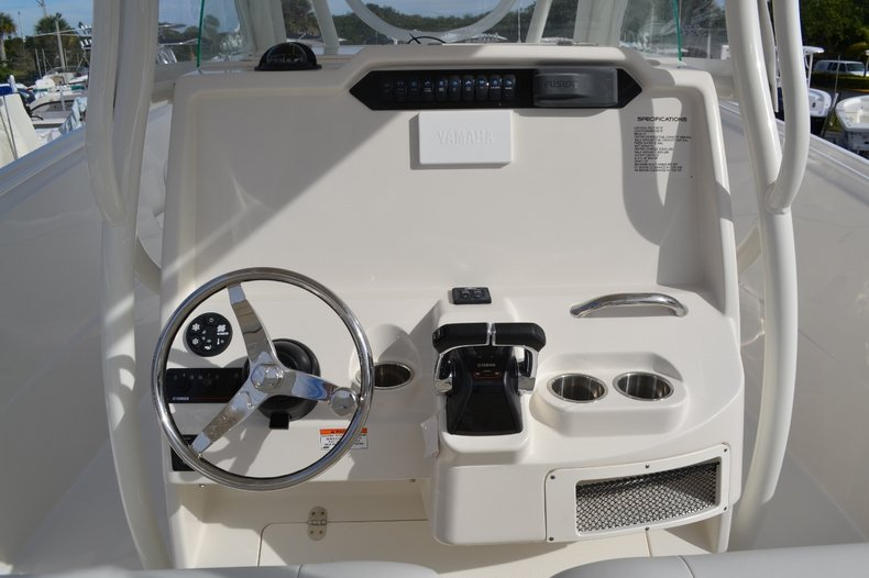 Thumbnail 13 for New 2016 Sailfish 320 CC Center Console boat for sale in West Palm Beach, FL