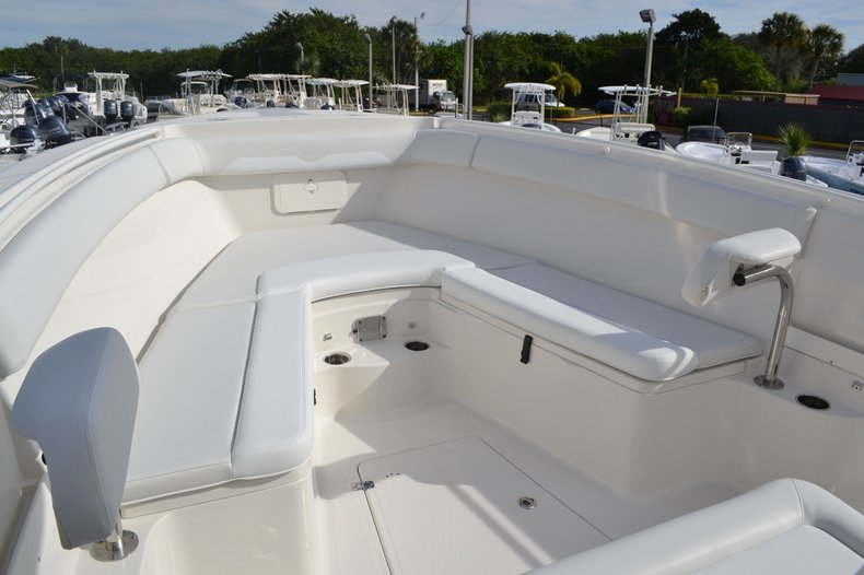 Thumbnail 15 for New 2016 Sailfish 320 CC Center Console boat for sale in West Palm Beach, FL