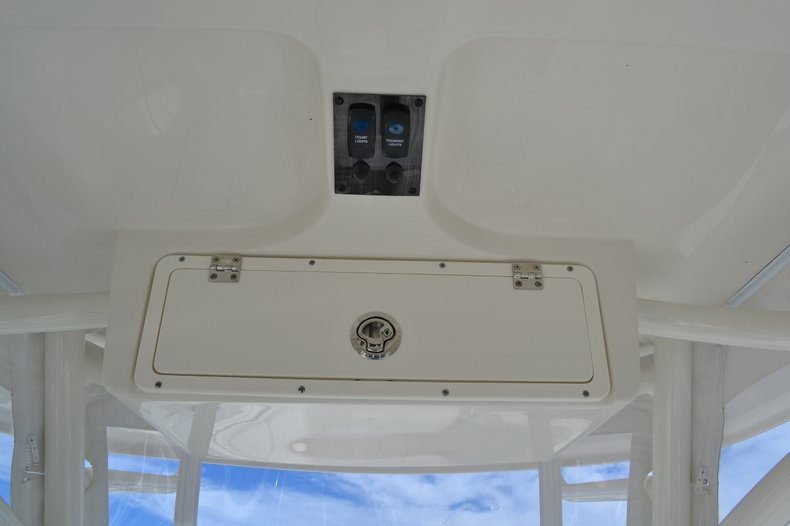 Thumbnail 21 for New 2016 Sailfish 320 CC Center Console boat for sale in West Palm Beach, FL