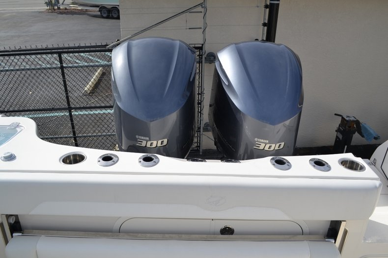 Thumbnail 25 for New 2016 Sailfish 320 CC Center Console boat for sale in West Palm Beach, FL