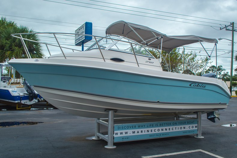 Thumbnail 3 for Used 2004 Cobia 210 WAC Walkaround boat for sale in West Palm Beach, FL