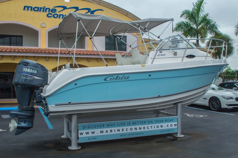 Thumbnail 7 for Used 2004 Cobia 210 WAC Walkaround boat for sale in West Palm Beach, FL