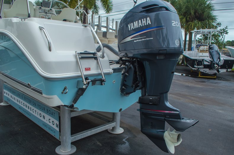 Thumbnail 10 for Used 2004 Cobia 210 WAC Walkaround boat for sale in West Palm Beach, FL