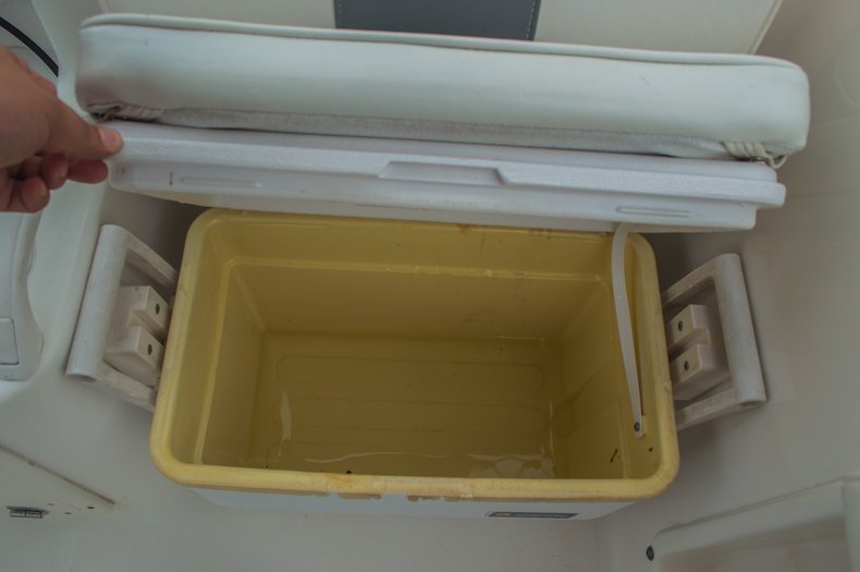 Thumbnail 24 for Used 2004 Cobia 210 WAC Walkaround boat for sale in West Palm Beach, FL