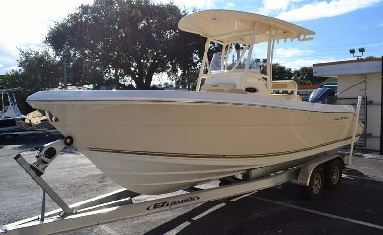 Thumbnail 3 for New 2016 Cobia 237 Center Console boat for sale in West Palm Beach, FL