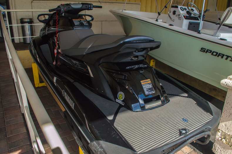 Thumbnail 3 for Used 2014 Yamaha Wave Runner FX SHO HIGH OUTPUT 1.8 boat for sale in West Palm Beach, FL