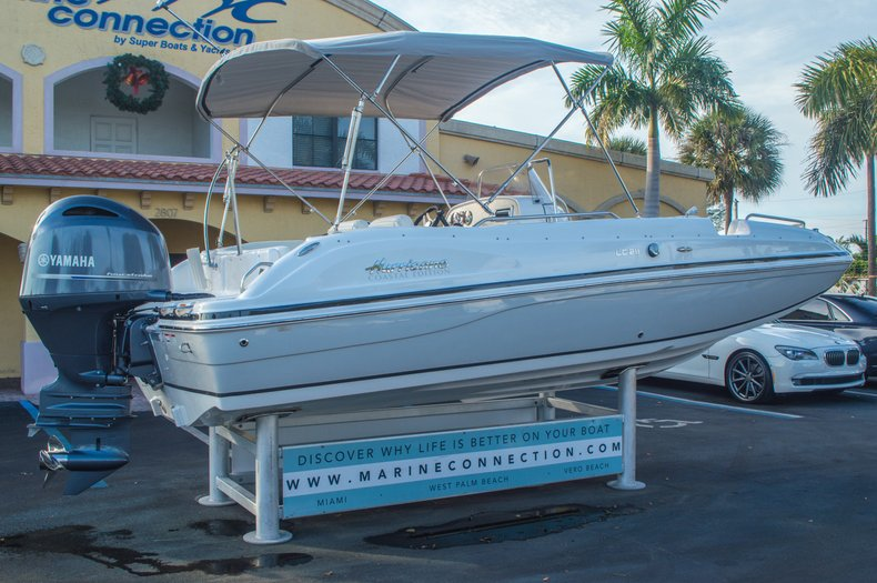 Thumbnail 7 for New 2016 Hurricane CC211 Center Consle boat for sale in West Palm Beach, FL