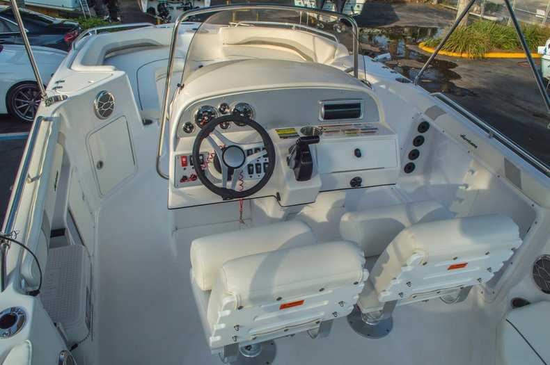 Thumbnail 11 for New 2016 Hurricane CC211 Center Consle boat for sale in West Palm Beach, FL