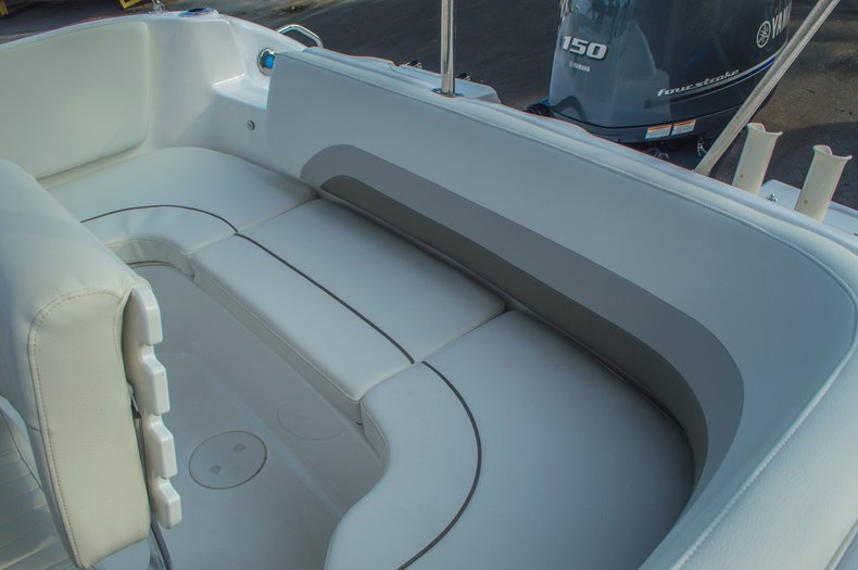 Thumbnail 13 for New 2016 Hurricane CC211 Center Consle boat for sale in West Palm Beach, FL